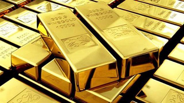 Инвесторы массово начали скупать золото, что свидетельствует о грядущем кризисе